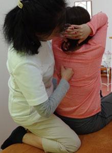 背骨部分の施術